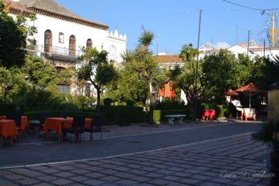 FullandFearless_Marbella_courtyard